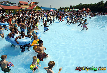 people running in swimming pool after the break,six flags america,amusement park