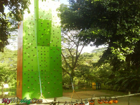 wall climbing in la mesa eco park,quezon city,east fairview,philippines