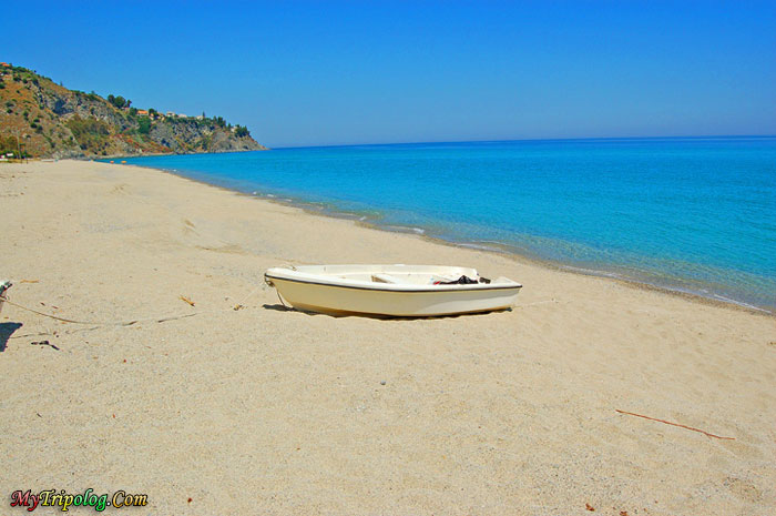 Italy,beach and boat,beach,boat,sands,landscape