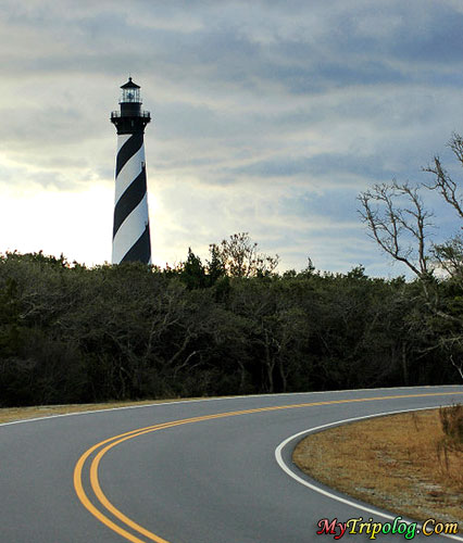 road to cape hatteras lighthouse,road,hatteras lighthouse,lighthouse,buxton,NC,USA
