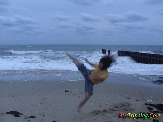 martial arts tricks on the beach,martial arts tricks,martial arts,buxton,nc,usa,cape hatteras,capoeira