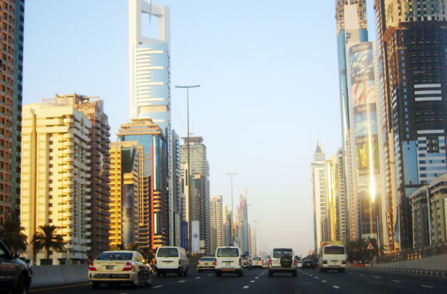 traffic on dubai street,uae,dubai,traffic,city,photo