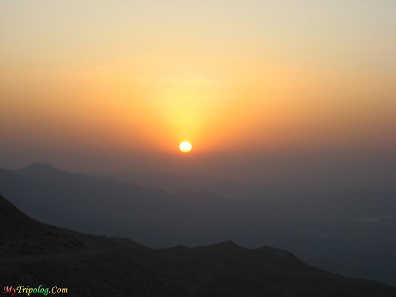 sunrise on mount nemrut,mount nemrut,wallpaper,turkey,adiyaman