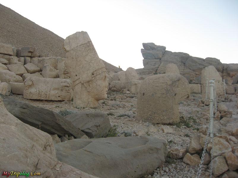 mount nemrut statues,adiyaman,turkey,historical places,commagene