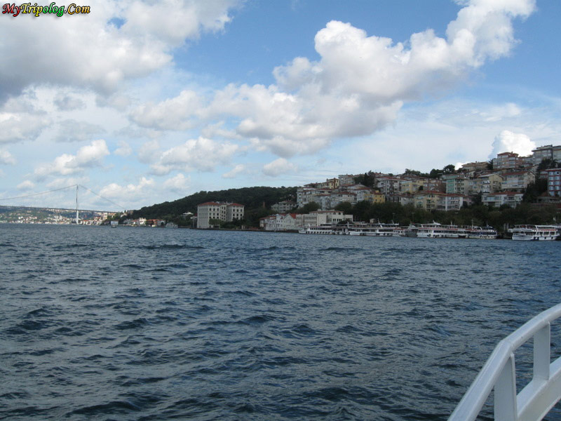 bosporus bridge,bosprus tour,sea,boat,istanbul,turkey