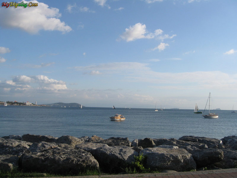 sea shore,boats,sailing,kadikoy,istanbul,turkey guide