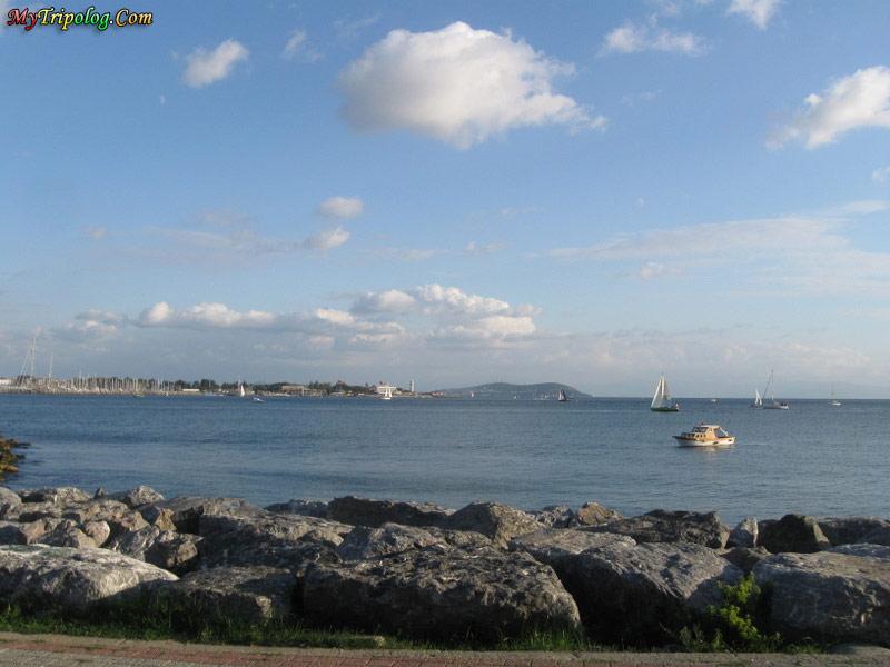 kadikoy,istanbul,turkey,sea shore,sailing
