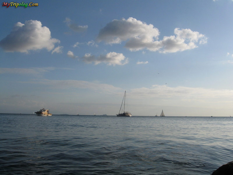 kadikoy,moda sahili,moda shore,istanbul,turkey,boats