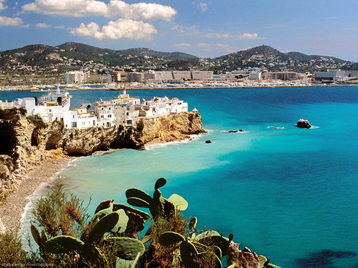 Top best vacation spots in spain ibiza island travel for Vacation spots around the world