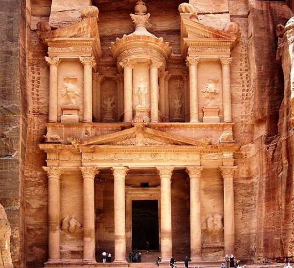 Petra front view - 7 w0ndErs 0v dA woRld