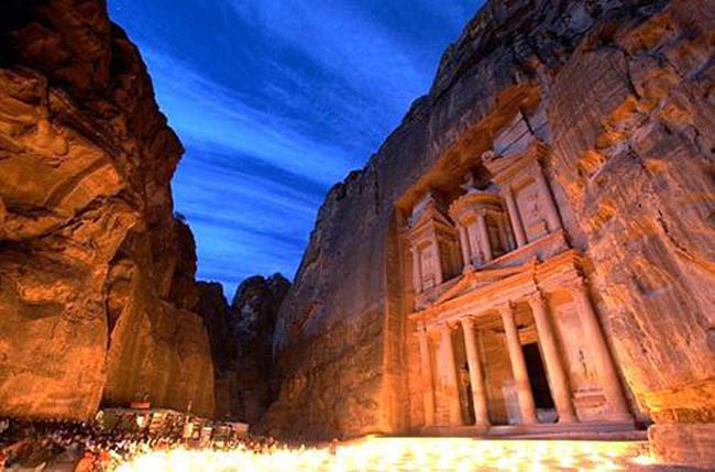 petra lights at night - 7 w0ndErs 0v dA woRld