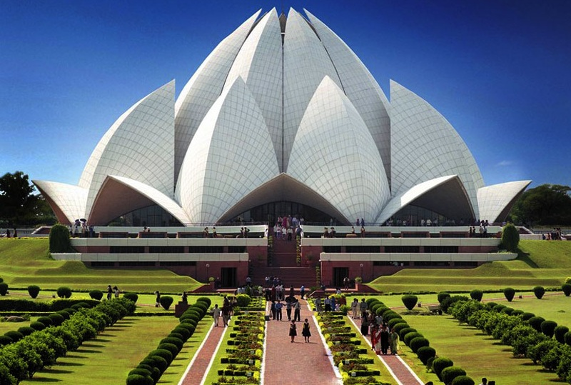 Delhi Car MMS http://incoming.neoone.com/mms/india-lotus-temple