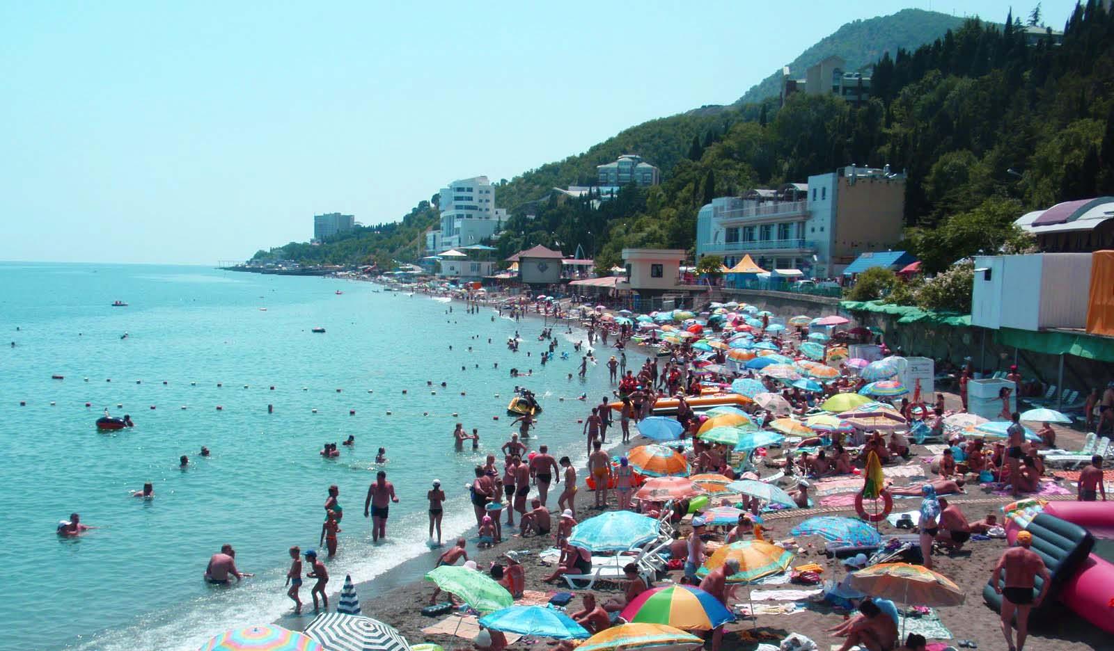 Untouched by civilization picturesque beaches of Crimea 27