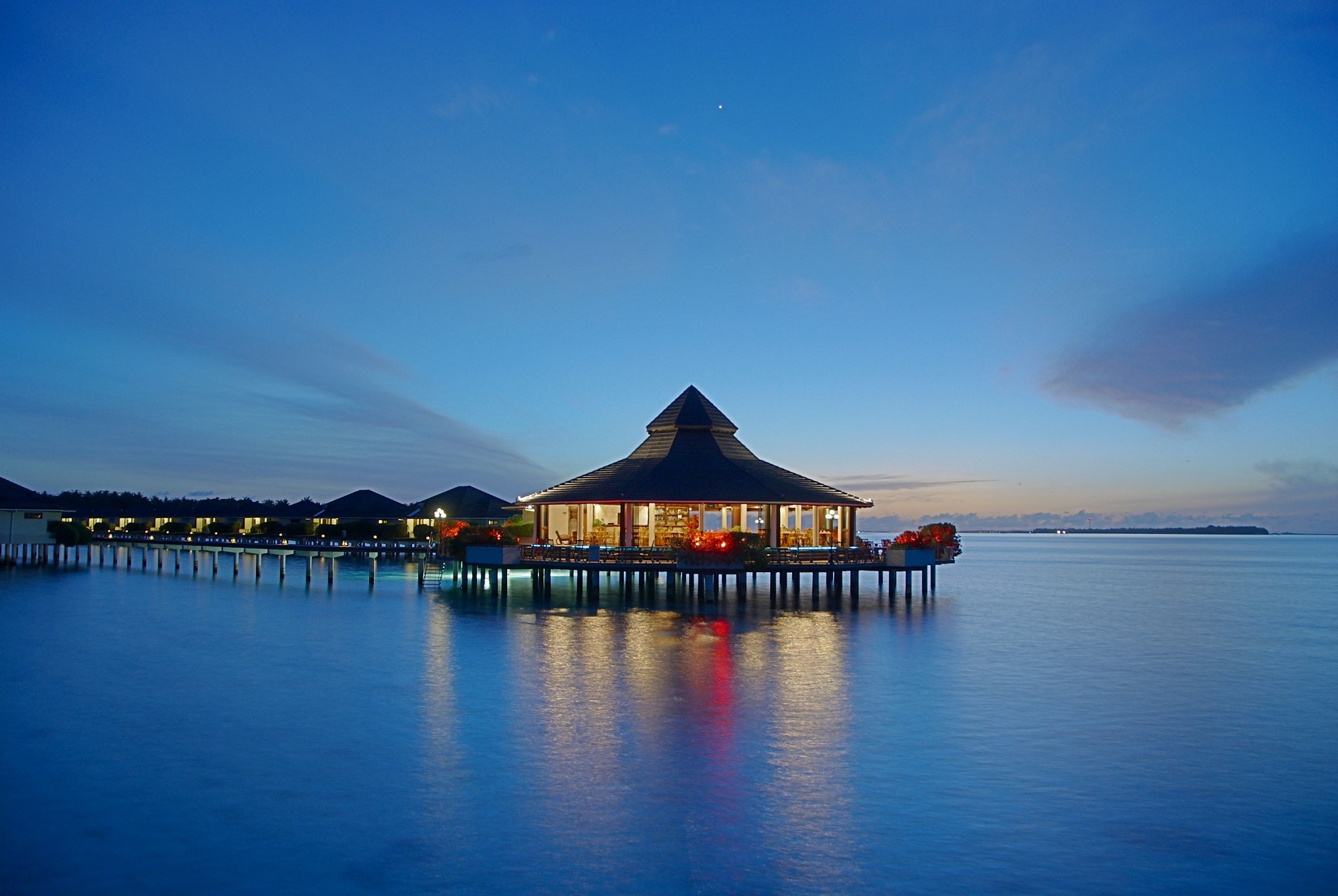 Water Bungalow Restaurants Maldives At Night