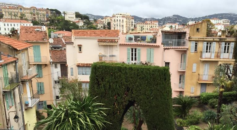 Taken an online virtual tour in Cannes city of France
