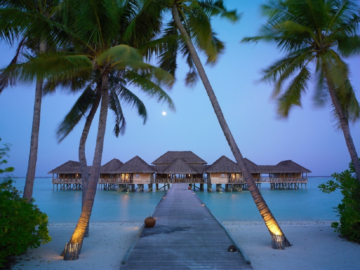 Exotic Beach And Bungalow Resorts In Maldives Travel Around The